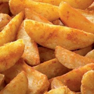 Aardappelwedges in olie